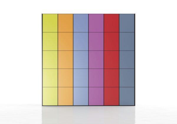 Armario de colores combinados