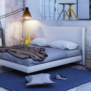 Habitación con cama tapizada hall 1