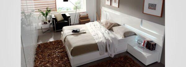 Dormitorio de matrimonio blanco