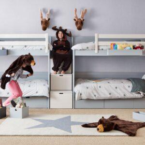 Dormitorio con cuatro camas 1